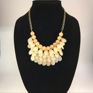 Gold tones beaded necklace